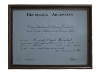 Enmarcado de Diploma Artesanal Oro Marcos y Cuadros
